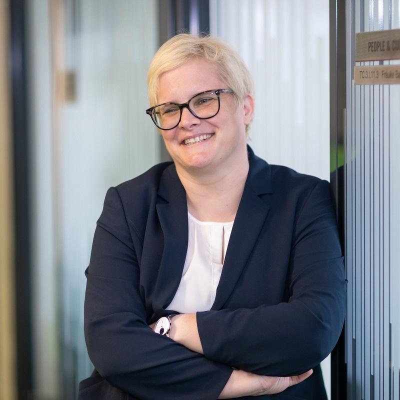 Dr. Frauke Bastians
